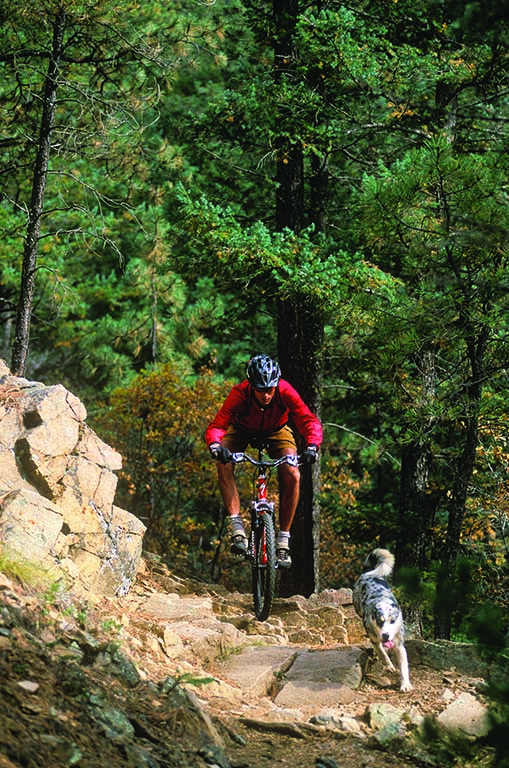 Mountain bikers and hikers escape to the Sangre de Cristo Mountains, located just southeast of the city.