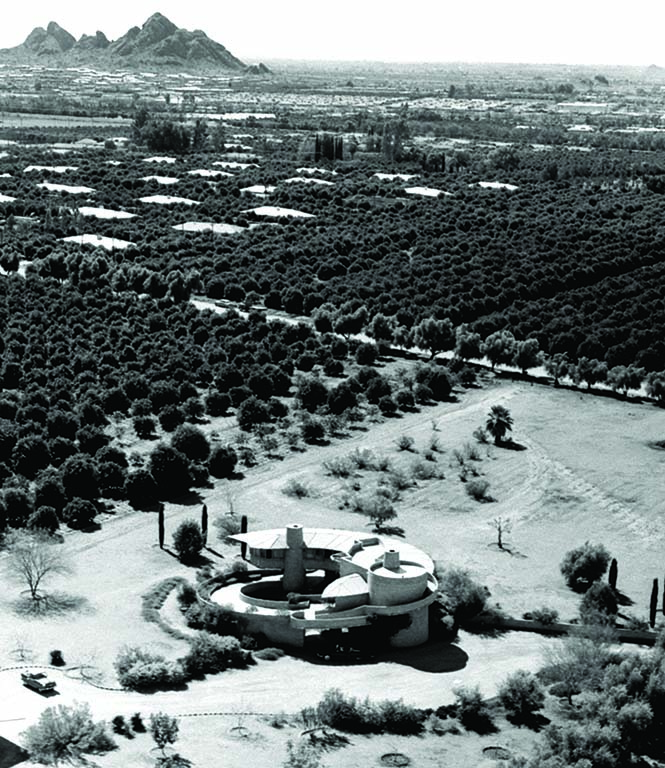 Surrounded by Phoenix citrus groves, the Wright House was designed by the architect for his son David. Image via the Pedro E. Guerrero Archives.