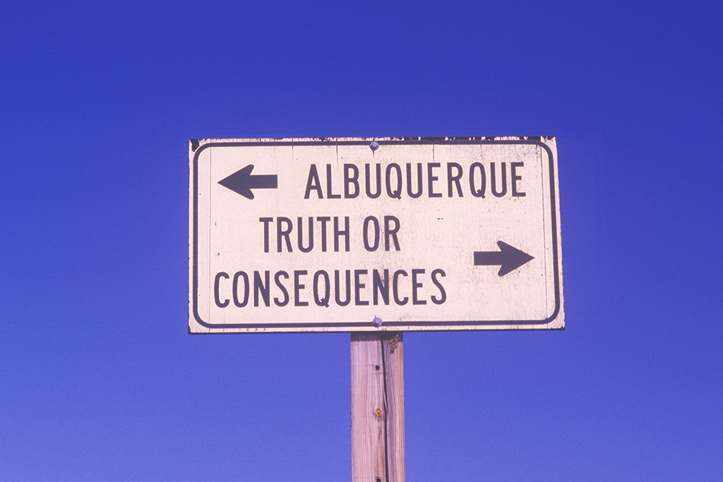 A sign that reads ÒAlbuquerque/Truth or ConsequencesÓ